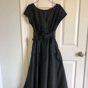 Black Tie Maxi Dress (w pockets;))